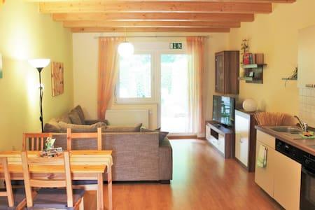 Moderne Ferienwohnung mit EBK,Terrasse,Garten uvm. - Townhouse
