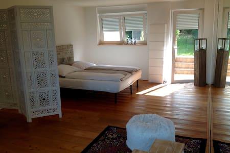 Gemütliches Studio im Grünen - Casa