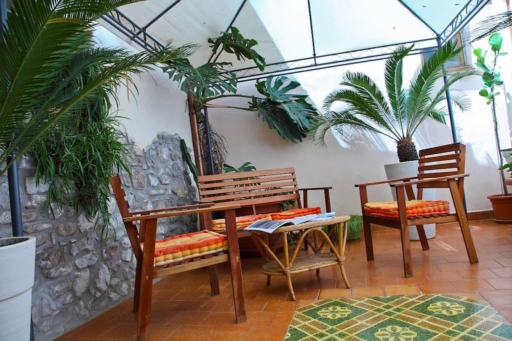 Nautilus charming apartment & patio
