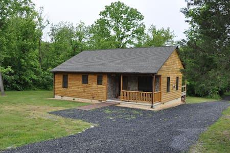 Bear Timbers Cabin - Rileyville - House