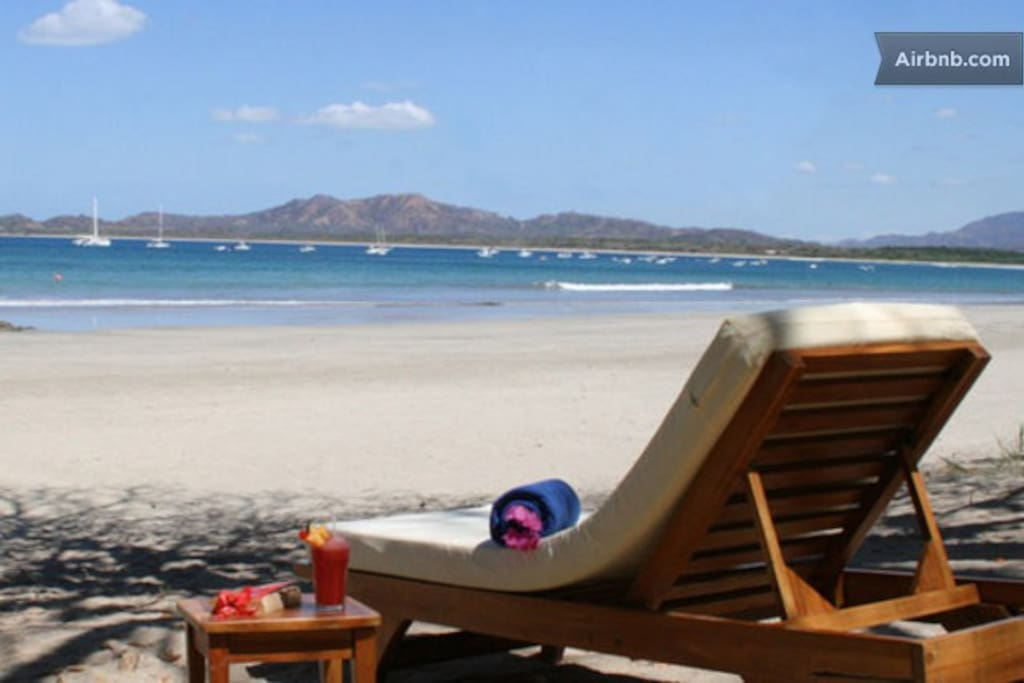 Relax on beautiful playa Tamarindo