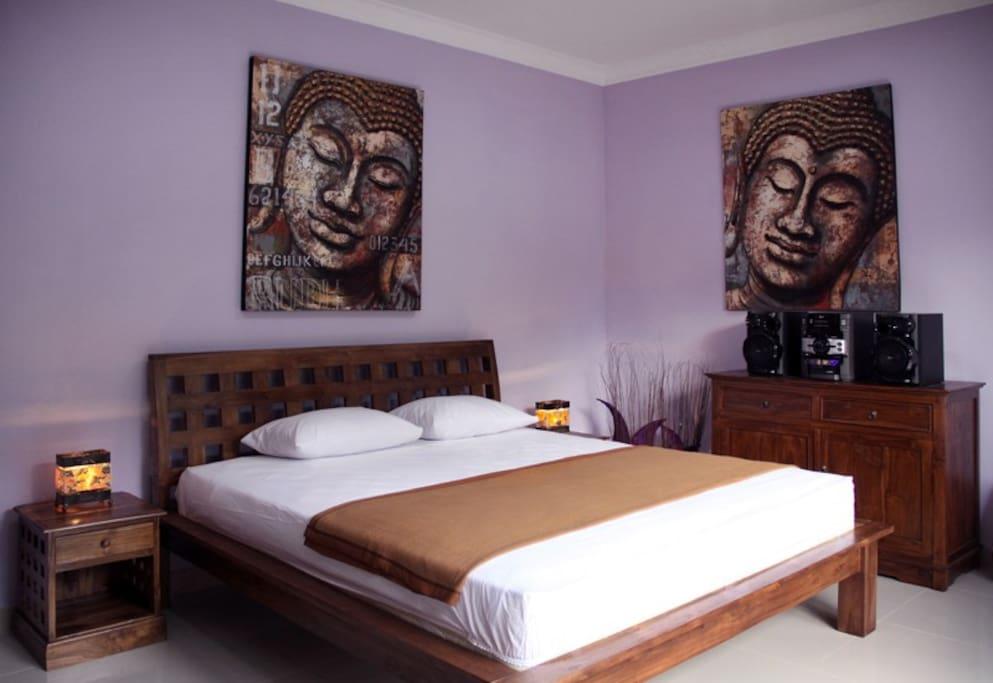 Bedroom 1 with 1,80 meter to 2 meter bed