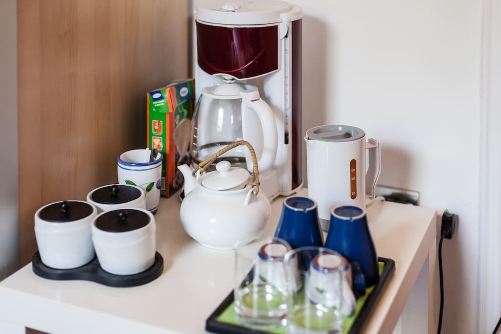 COFFE MACHINE KETTLE FOR TEA, FOOD  CORNER