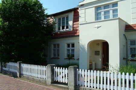 Baltic Sea - ground floor flat - Graal-Müritz - Apartamento