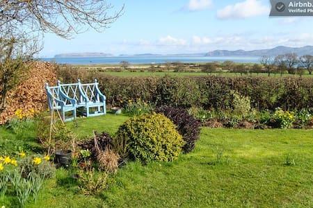 Bed and Breakfast in North Wales - Bed & Breakfast