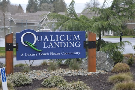 SEA-esta  By the Beach Homes - Qualicum Beach - Rumah