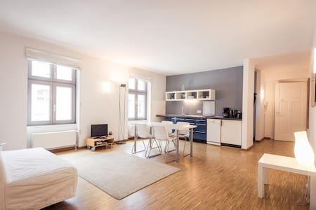 apartment 6_studio b - downtown