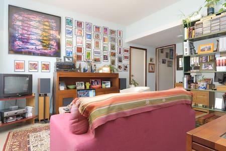 Room 2 girls, modern & centric - Flat