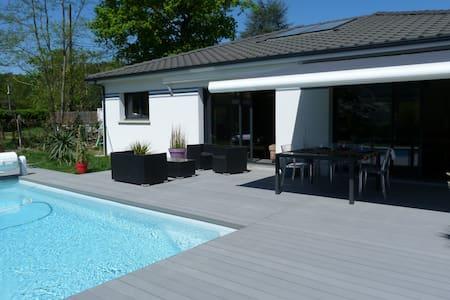 Luminous House with heated pool  - Le Taillan-Médoc