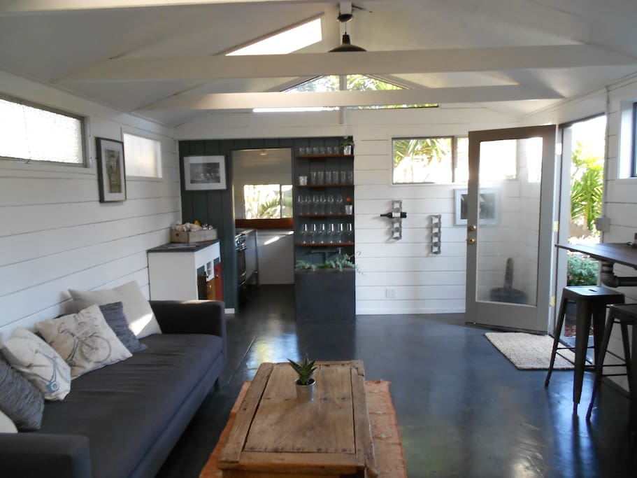 Beach Cottage / hang your towel!