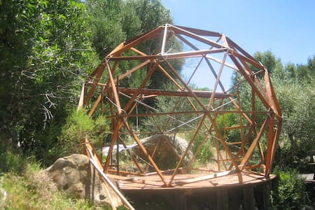 #06 GEODESIC DOME AND COSY SPACE - FACINAS