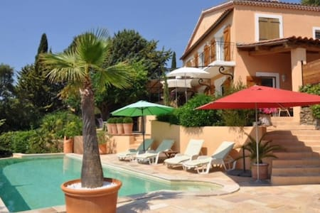 Bastide provençale vue mer - Bormes-les-Mimosas - House