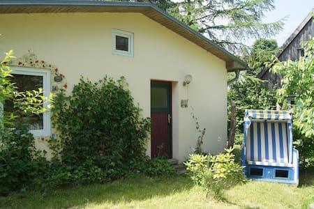 Ferienhäuschen Koldevitz (Rügen) - Sommerhus/hytte