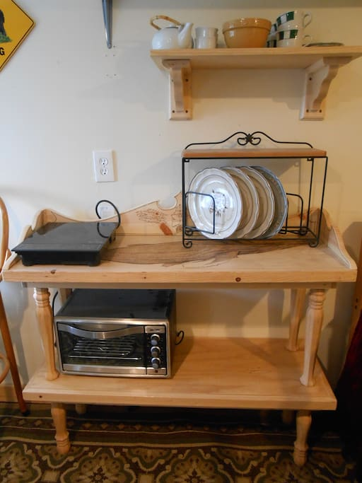 hot plate and toaster oven for versatile self-catering
