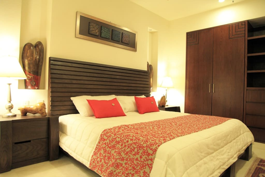 The best location ! V399 1 bedroom