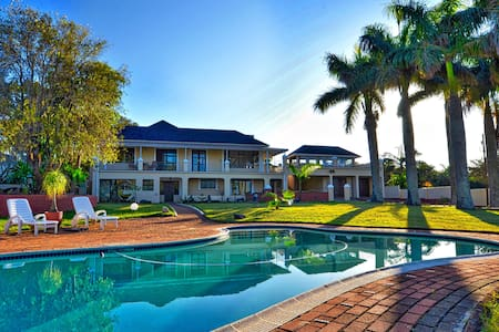 Palm Tree Manor Margate KZN - Room Baobab - Margate