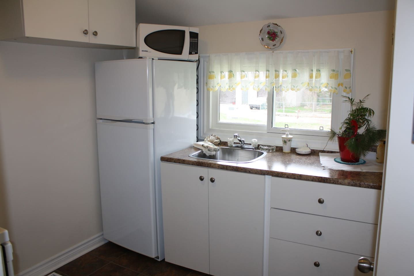 brend new house for rent, clean,