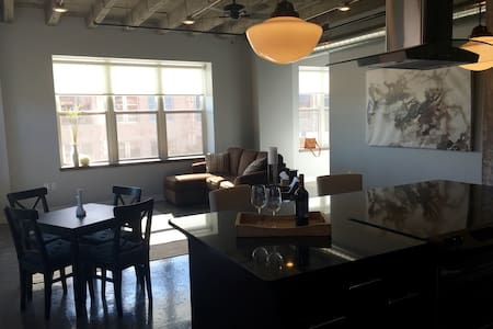 Downtown, Tower 217, Apt 2S - Apartamento