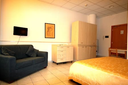 apartment   with pool near  the sea - Marina di Montenero
