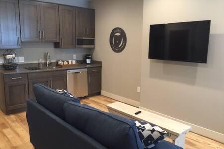 1403 Elm Street - Cincinnati - Apartment