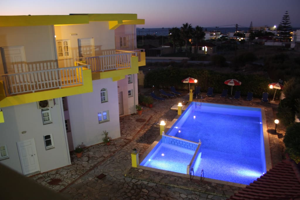 70m2 apartment 2 bedrooms double and single beds, full equipment, possitive energy, relaxing holidays,3min from the beach!