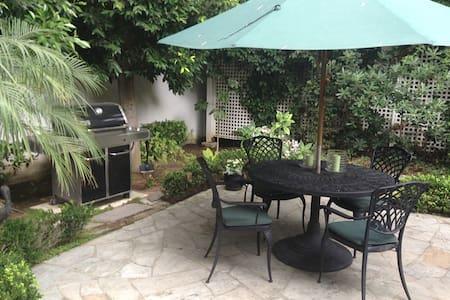 Guest House in Beautiful Coronado