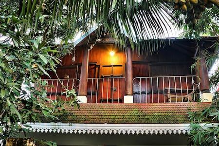 Adams Homestay Cochin - Rumah