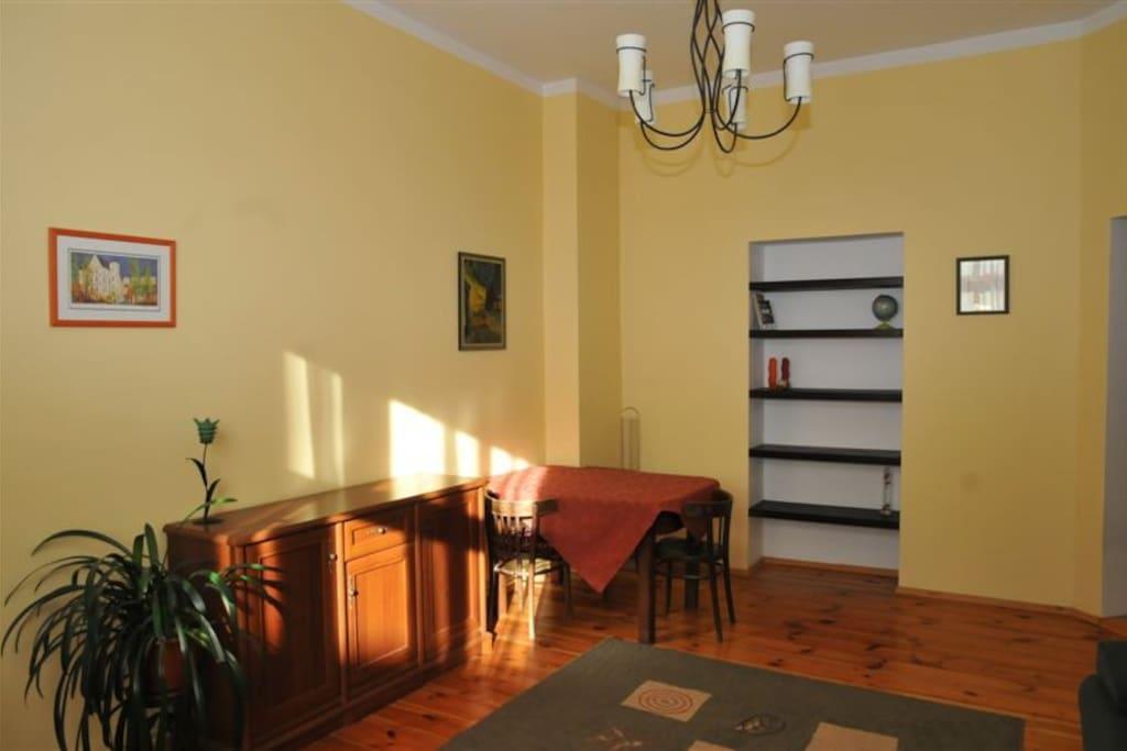 Salon/The living room