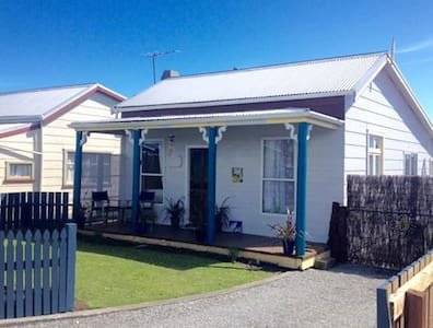 Cosy Fantail Cottage in Hokitika - Haus
