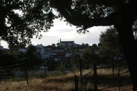 Casa Rural El Trillo en una aldea en plena dehesa - Casa