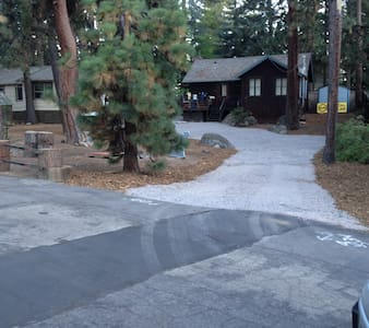 Pvt Room in charming Tahoe Cabin!!