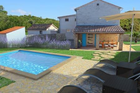 Villa Sasso - Maison