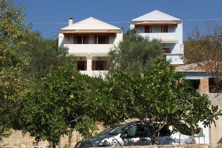 ΖΕΦΥΡΟΣ  2 - Condominium