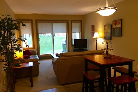 Bright, large 2 Bedroom Suite