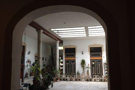 casa santiago, habitacion amueblada