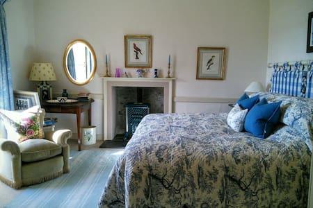 West Coast Scottish Georgian Manse - Bed & Breakfast