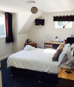Great accommodation in Warsash (2) - Locks Heath
