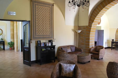 Listed Villa with enormous character - Villa