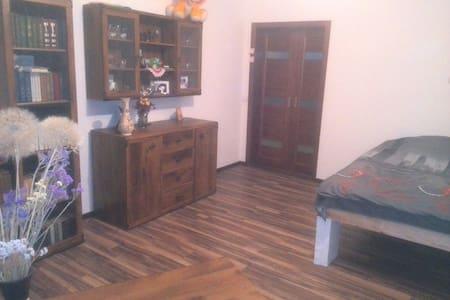 Уютная комната в доме, wi-fi - Casa