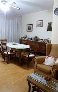 Ampio appartamento a 8 km dal centro (2 dal mare) - Taranto - Apartment
