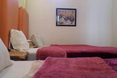 Jolie chambre familiale d'un Riad - Tinghir - House