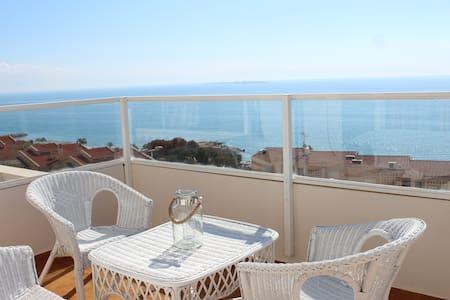 Vistas excepcionales y gran terraza - Apartment