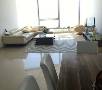 Spacious room with amazing sea views - Appartement
