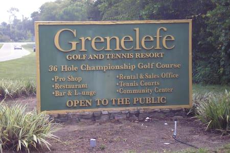 Grenelefe Resort - gated - Hus