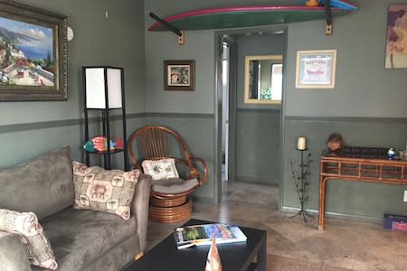 "The ""KAY"" All Yours! Beach bungalow, 1 Bed, Duplex - San Clemente - House"