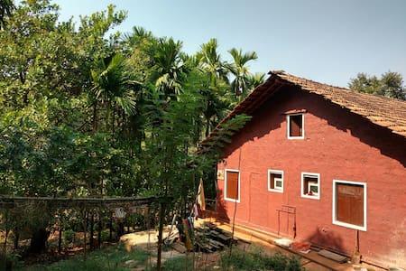 A cottage amidst a beautiful farm - Isavali - Chalet
