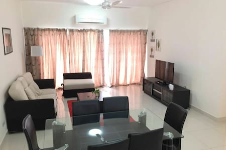 Immaculate 3bed aprt. at Setiawalk - Wohnung