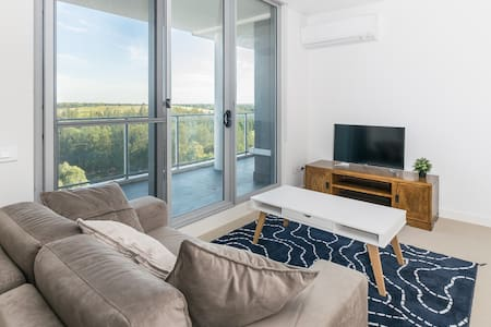 beautiful 2 bedroom in Olympic park - Daire