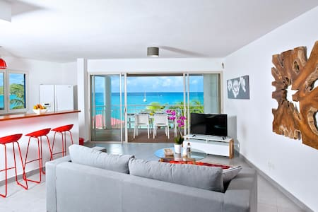 NEW & CENTRAL on Grand Case Beach, Pool, Parking. - Grand-Case