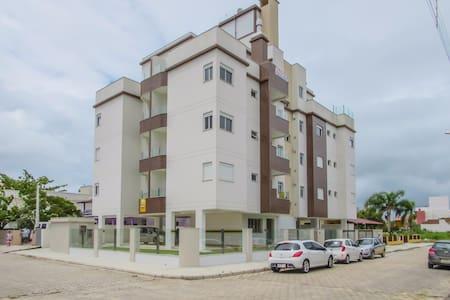 Apto Praia de Palmas, Gov. Celso Ramos - 02 Dorms - Governador Celso Ramos - Apartmen